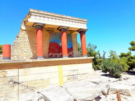 Palácio de Knossos com seus labirintos , refúgio do Minotauro em Creta !