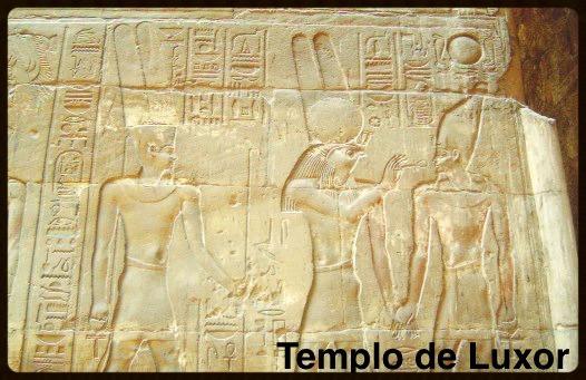 Hórus com o Faraó - Egito