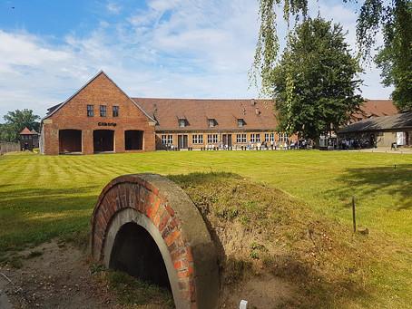 Auschwitz  e Birkenau - Símbolos de Dor e Sofrimento