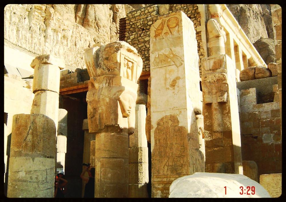 Colunas de Ísis - Egito