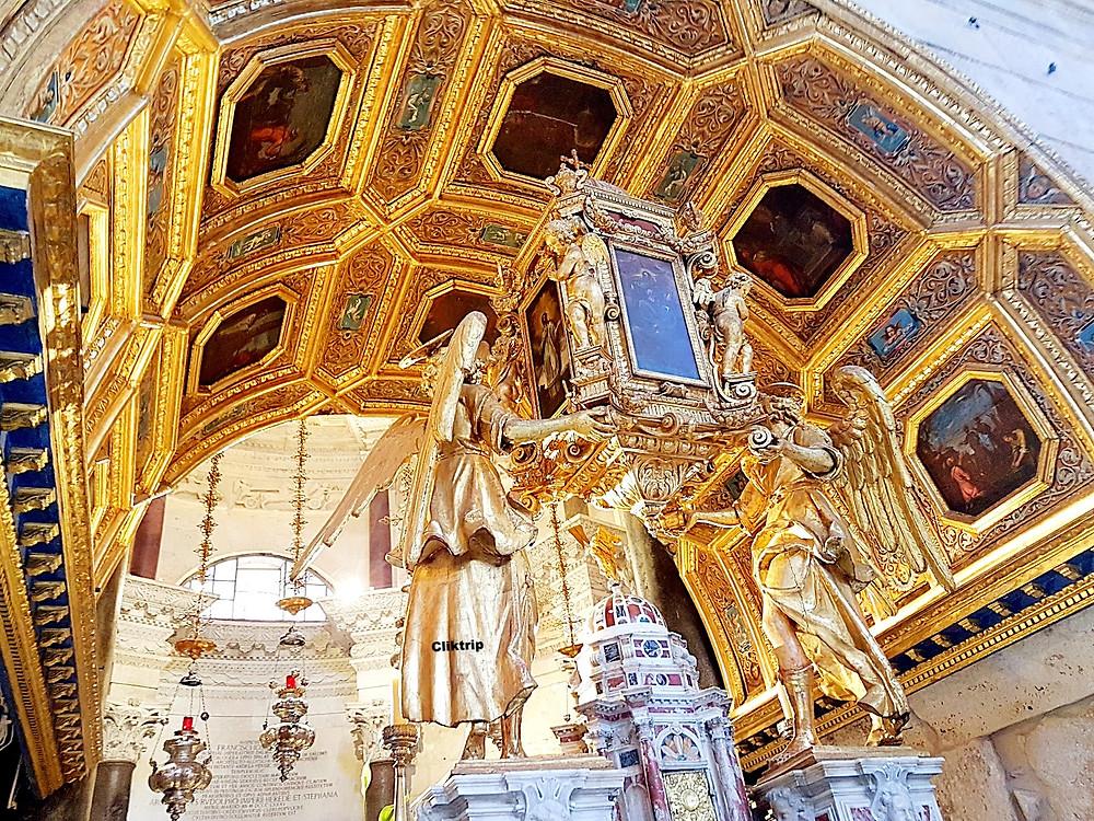 Catedral dentro do Palácio de Diocleciano em Split