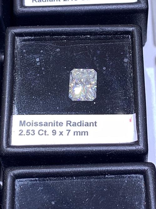Radiant moissanite
