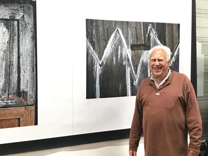 Visite de Hans Silvester chez Scénolia, partenaire et imprimeur de l'exposition