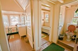 Upstairs bathroom at the Inn