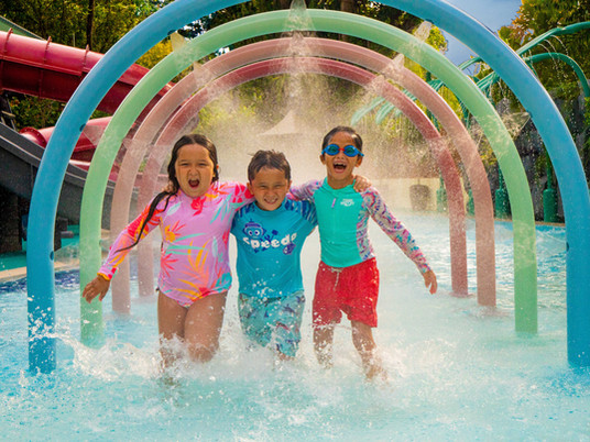 Splash down at Shangri-La Hotel Singapore