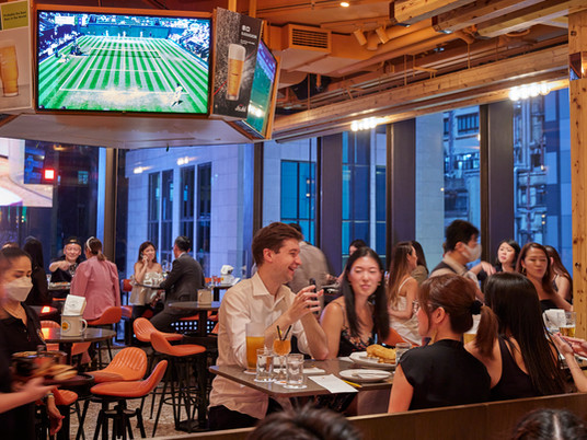 Ministry of Mussels flaunts family appeal in Hong Kong's Lan Kwai Fong