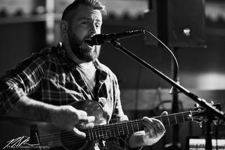 Dan Signor on guitar at Pi on Broadway, Ocala, November 2017