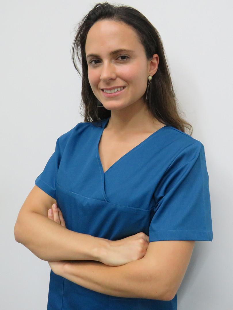 Dr.ª Daniela Oliveira-clinica-dentaria