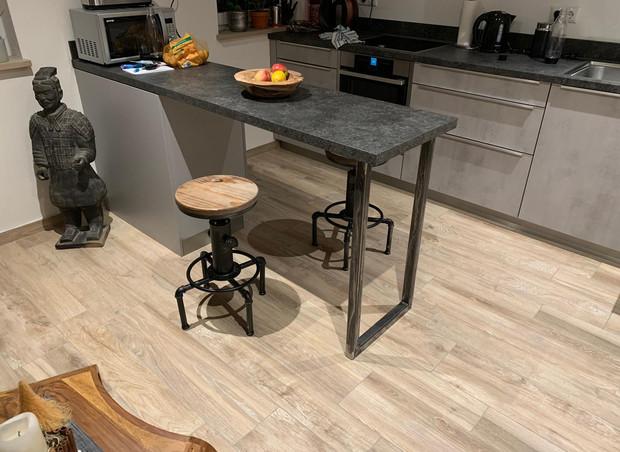 Tischuntergestell aus Metall