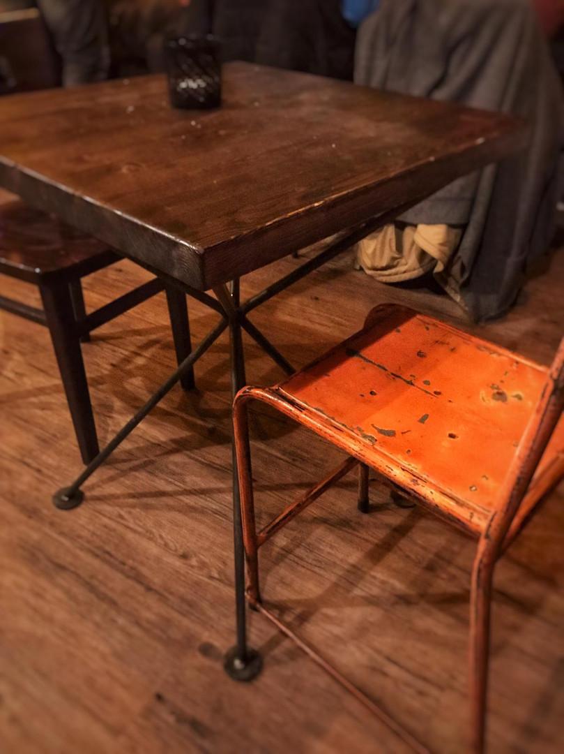 Tischgestell aus Metall