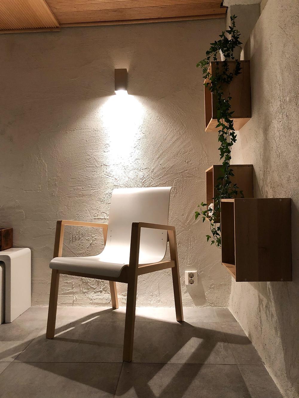 sormipaneelikatto, artek 403 -tuoli, takkahuone, finger panel,