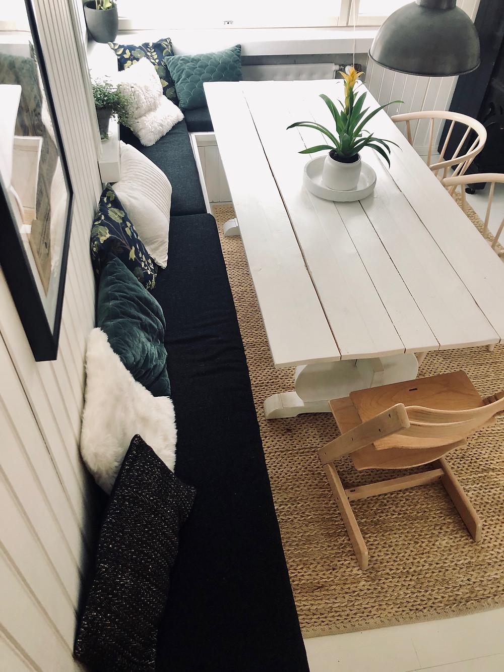 ruokailuhuoneen DIY kulmapenkki puuta
