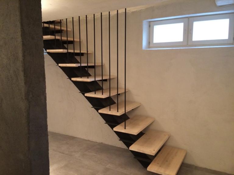 wooden DIY stairs, handrails made of steel, puiset portaat mäntyä ja terästä