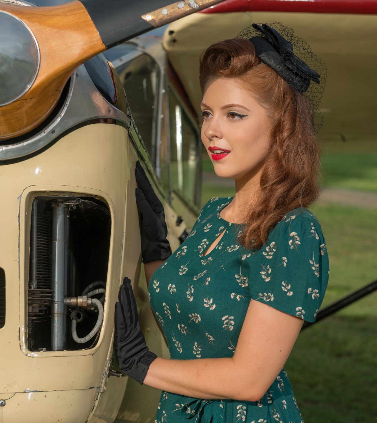 Miss Kelly - The Flying Pinup (Headshot) - Photographer Mark Greenmantle