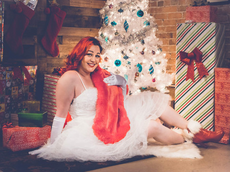 Holiday Pinup of the Month 2018 - Vida Rose