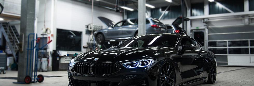 BMW 850i Wallpaper