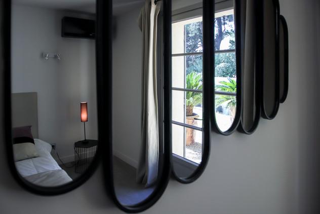 CHambre 3 avec baie vitrée accès jardin