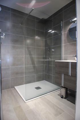 Salle de bain chambre 3 avec douche à l'italienne
