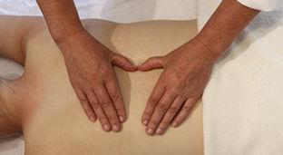 Behandeln Sie Schmerzen und Migräne mit der ISBT-Bowen Therapie