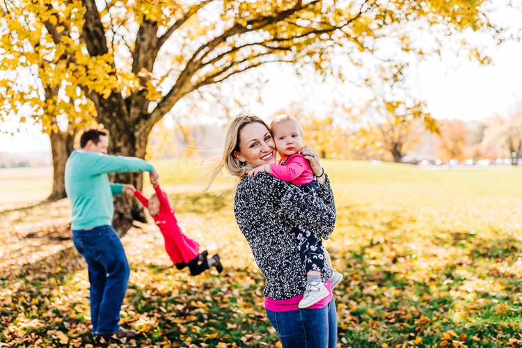 outdoor-fall-family-lifestyle-session-La