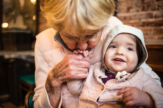 great-grandmother-kissing-great-grandaug