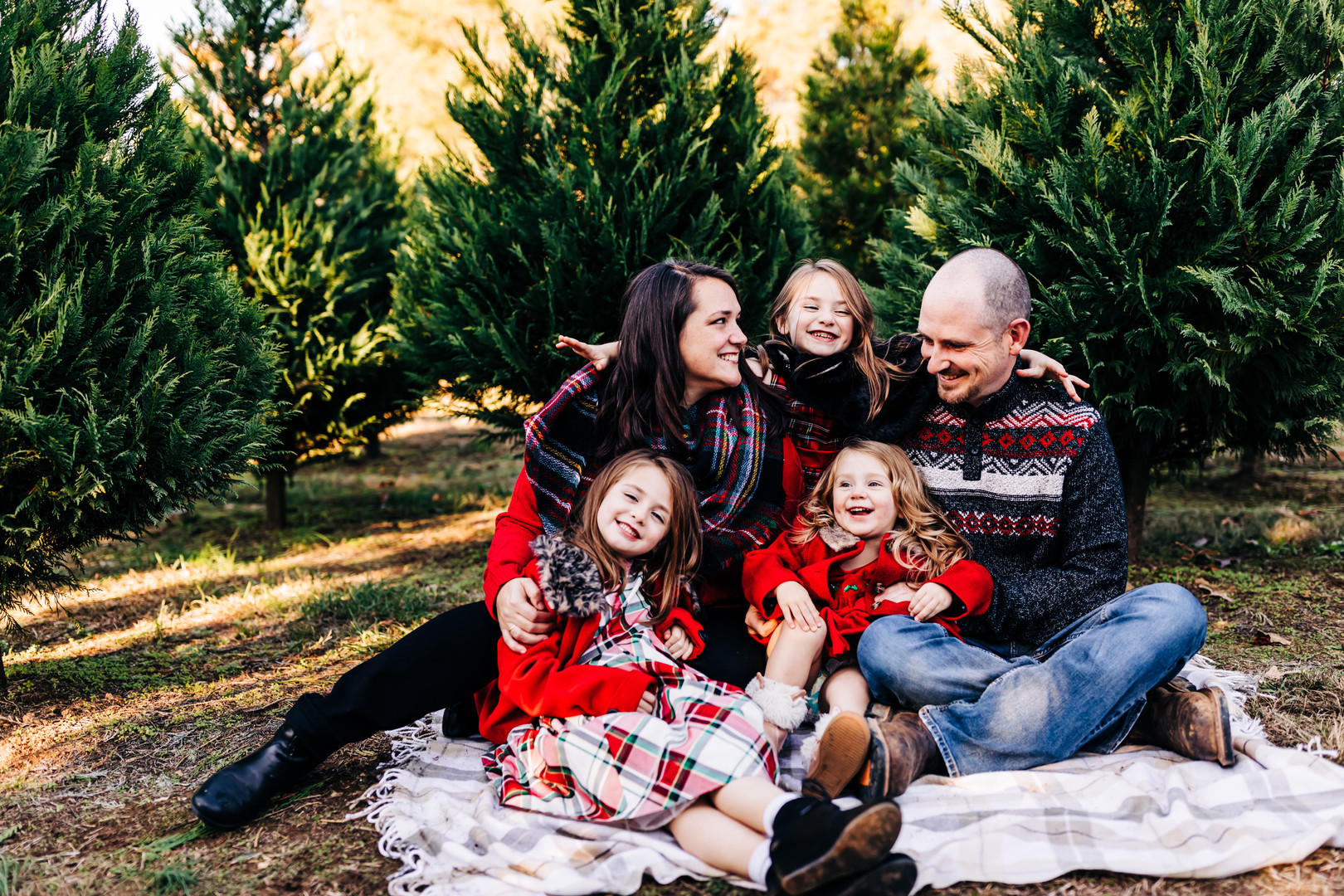 family-of-five-lifestyle-photography-Blu