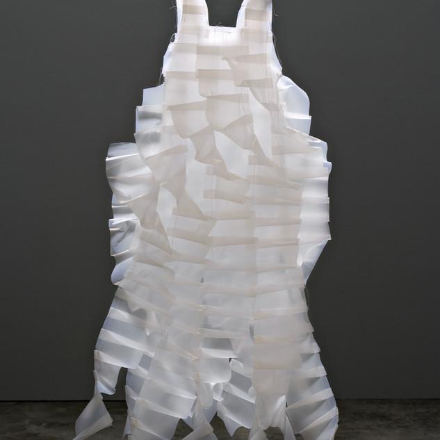 s_504,Plastic, thread,127 x 83.82 x 25.4