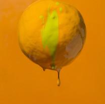 s_오렌지를 오렌지 색으로 만든 것은 물감회사 일지도 l 90x70cm