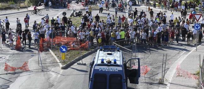 A Mondragone un focolaio di crisi sanitaria e sociale