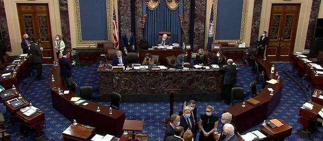 Il Senato americano siede in giudizio