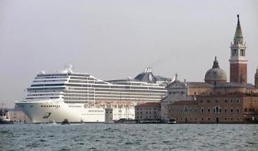Così le grandi navi tornano a Venezia