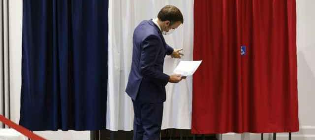 Elezioni in Francia. Vincono i neogollisti, Marine le Pen all'angolo
