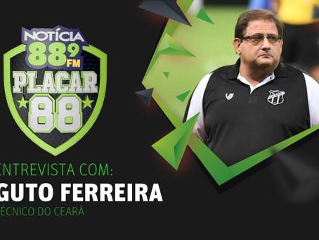 Entrevista com Guto Ferreira