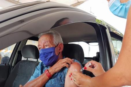 Vacinação contra Covid-19 de idosos acima de 72 anos começa em 22 de março no estado de SP