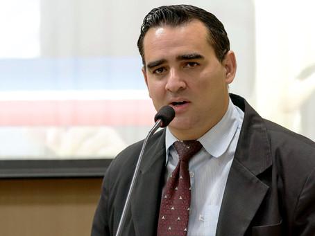 Vagner Malheiros questiona tempo de espera para agendamento com médicos especialistas em Americana