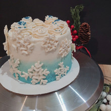 mini cake snowflakes