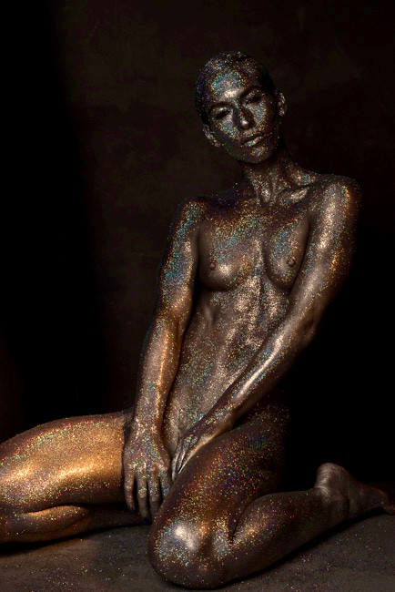 Oscars trophy gold body paint by Kyle Harder