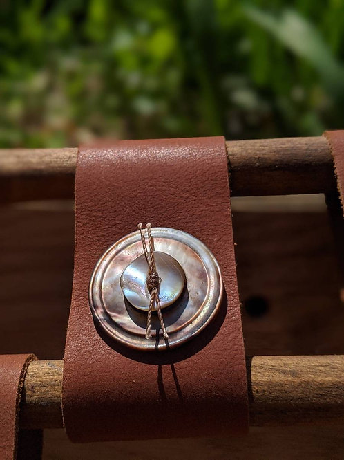 Vintage button recycled leather bracelet