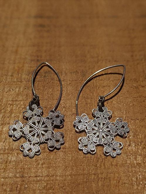 Vintage snowflake earrings