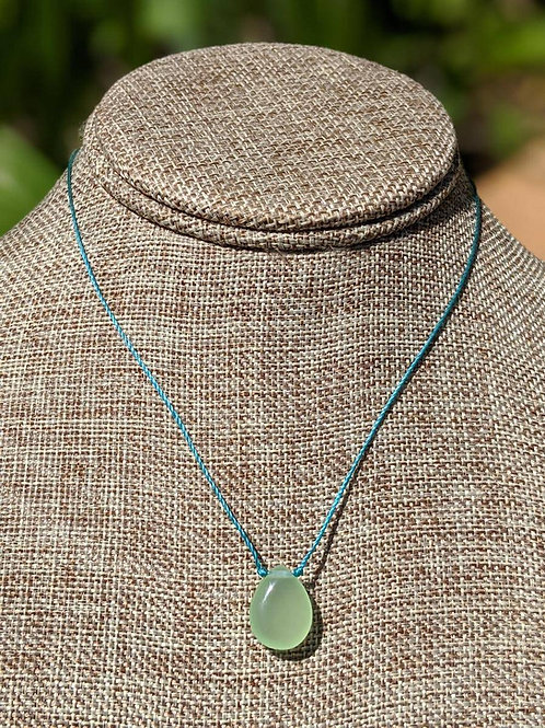 Minimal teardrop pendant choker necklace