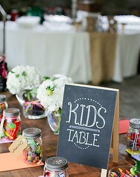 blogs-aisle-say-kids-table-ideas-crafts.
