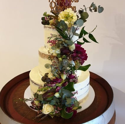 cake-flowers-with-natives-and-florals-2.
