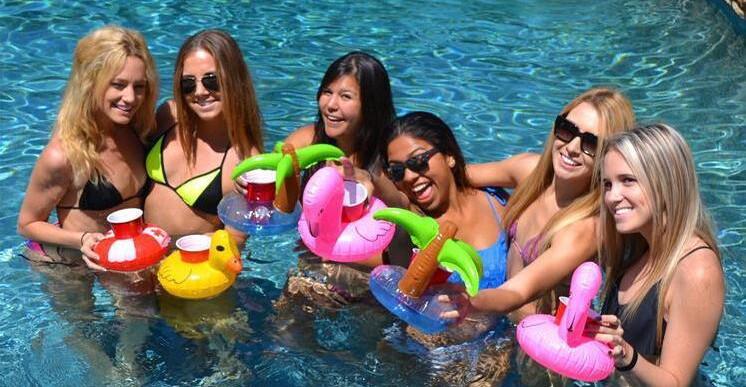 mini-flamingo-floating-inflatable-drink-