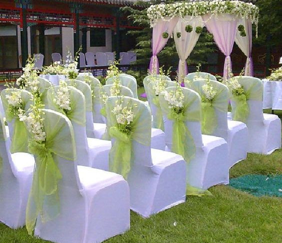 Sashes & Flowers Look Fabulous