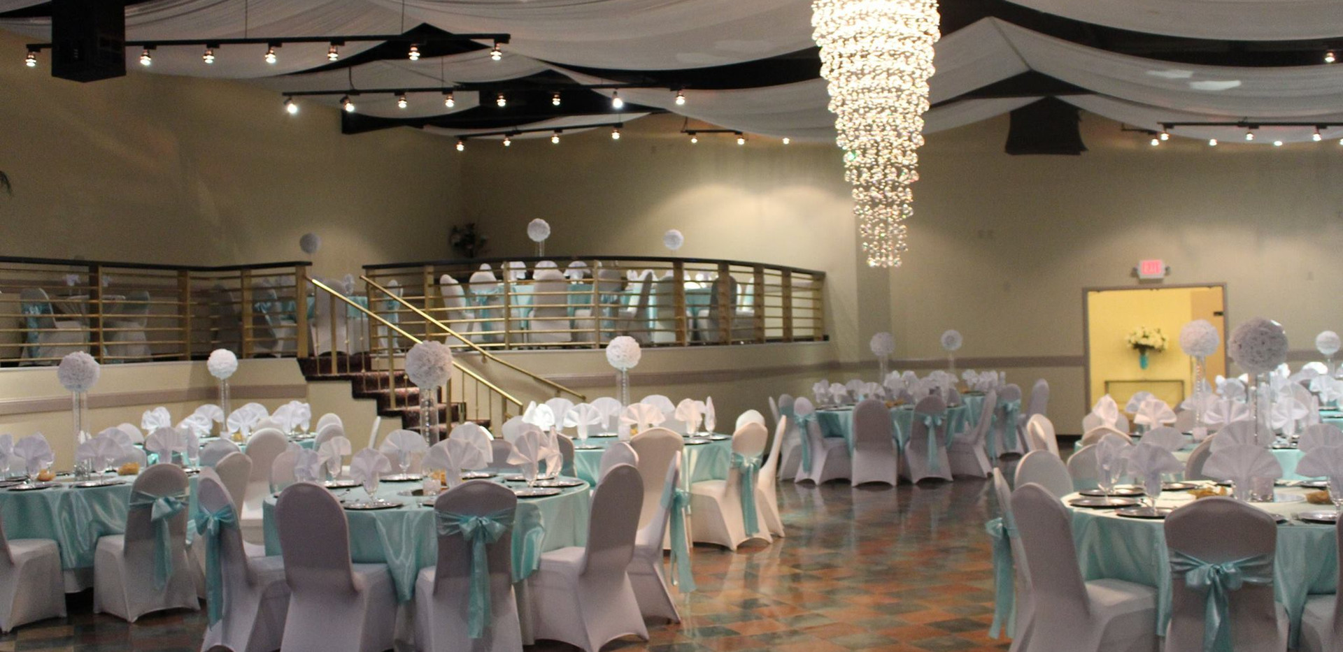 decorating-a-hall-for-a-baby-shower-fsli