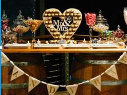 Mr & Mrs Heart Stand