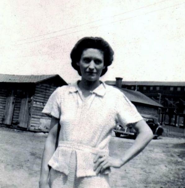 Mom at Buckhorn 001.jpg