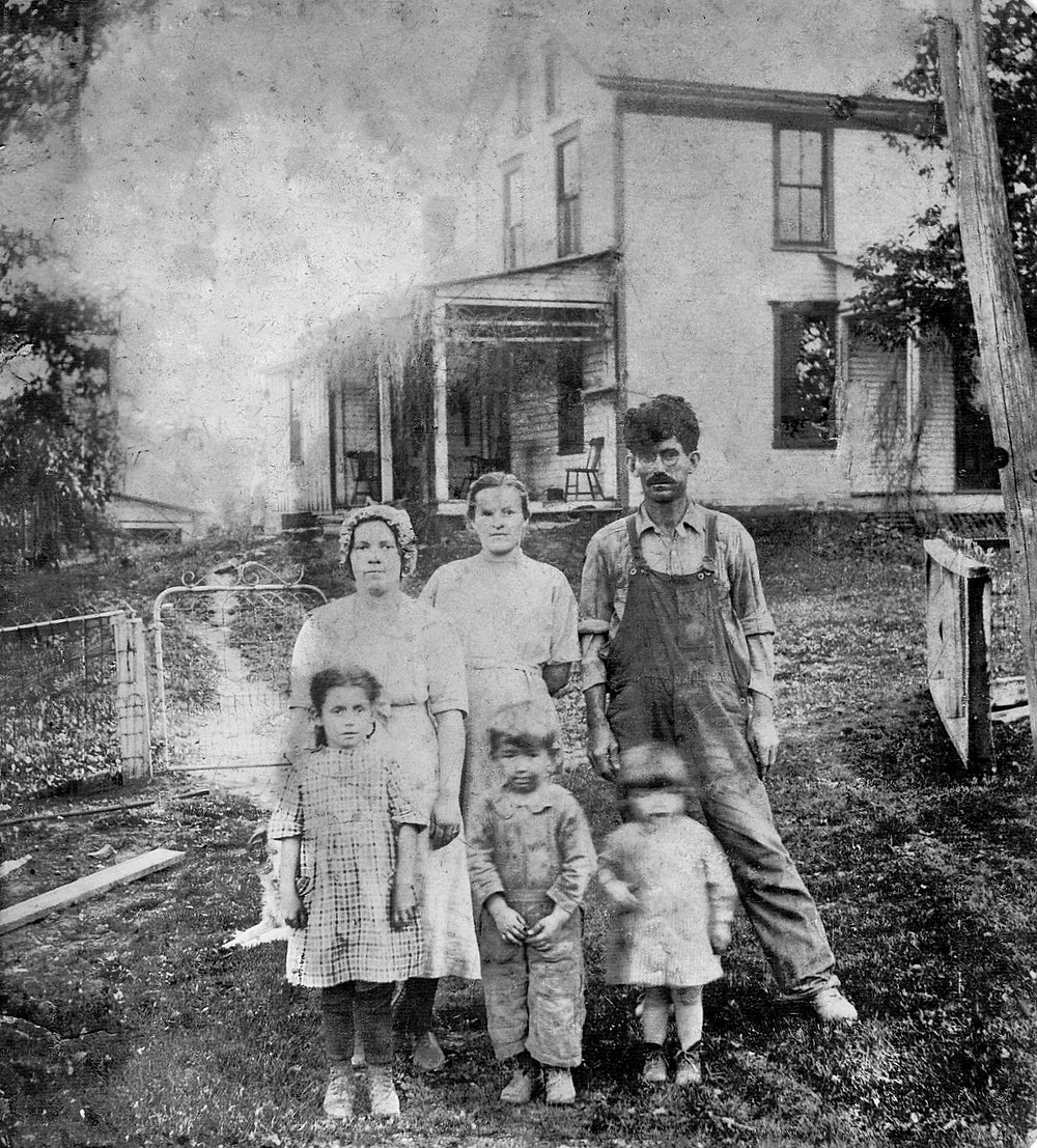 Benjamin Luke with wife Mary and her sister Hope. Children right to left are Emma May, Johnny, and Harry