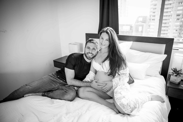 Home maternity session in Vancouver