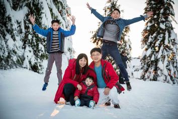 Family winter photos Vancouver